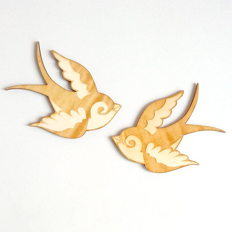 D corations murales hirondelles en bois la malle confettis for Decoration murale oiseau