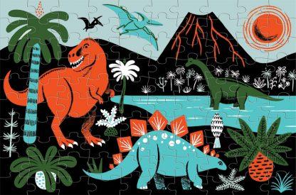 tyrannosaure diplodocus volcan