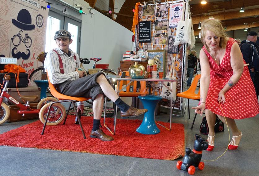 jouet roulette plastique vintage cadeau enfant anniversaire vélo ancien